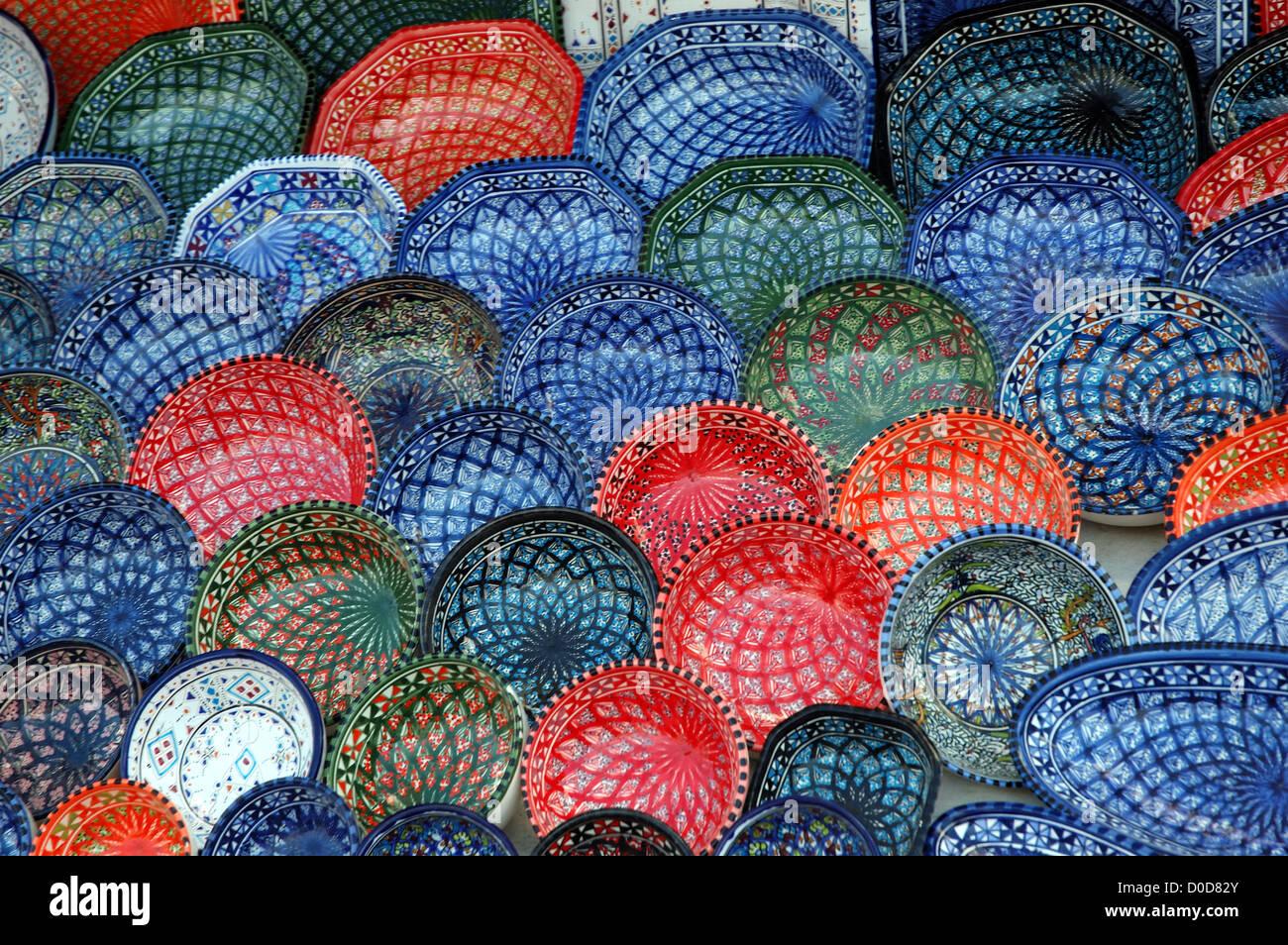 La alfarería en venta en una tienda en Túnez Foto de stock
