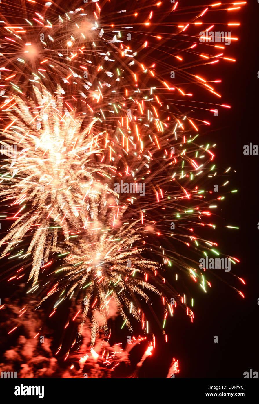 Explosión de fuegos artificiales Imagen De Stock