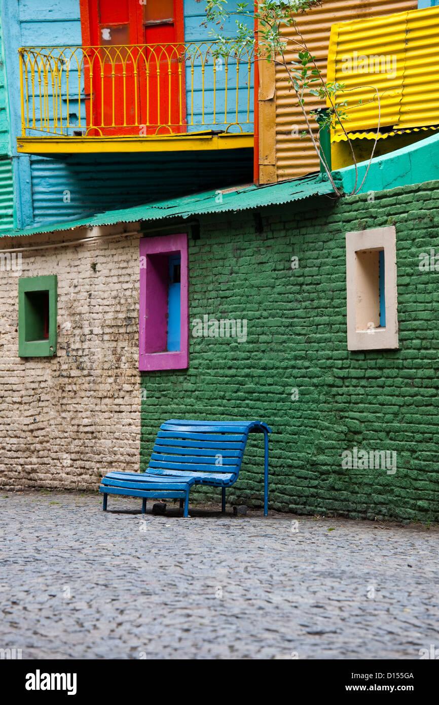 Colorido edificio en La Boca, en Buenos Aires. Imagen De Stock