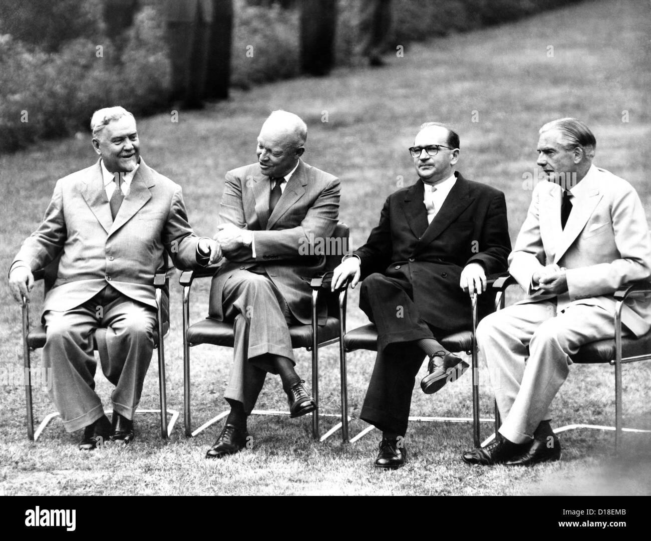 """Guerra Fría reunión cumbre de los """"cuatro grandes"""" en Ginebra, Suiza. L-R: Premier soviético Imagen De Stock"""