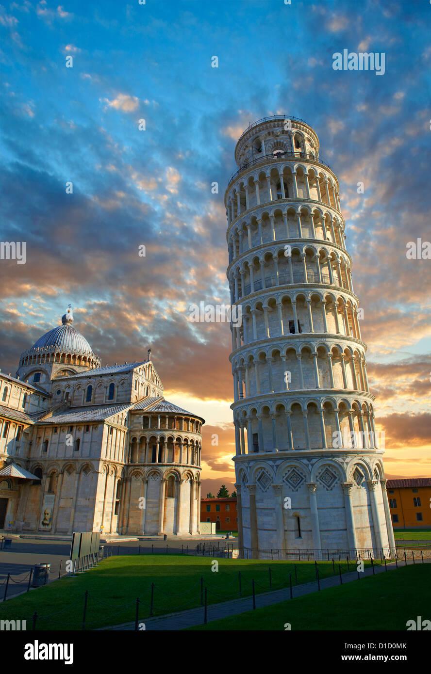 La Torre Inclinada de Pisa al atardecer, Italia Imagen De Stock