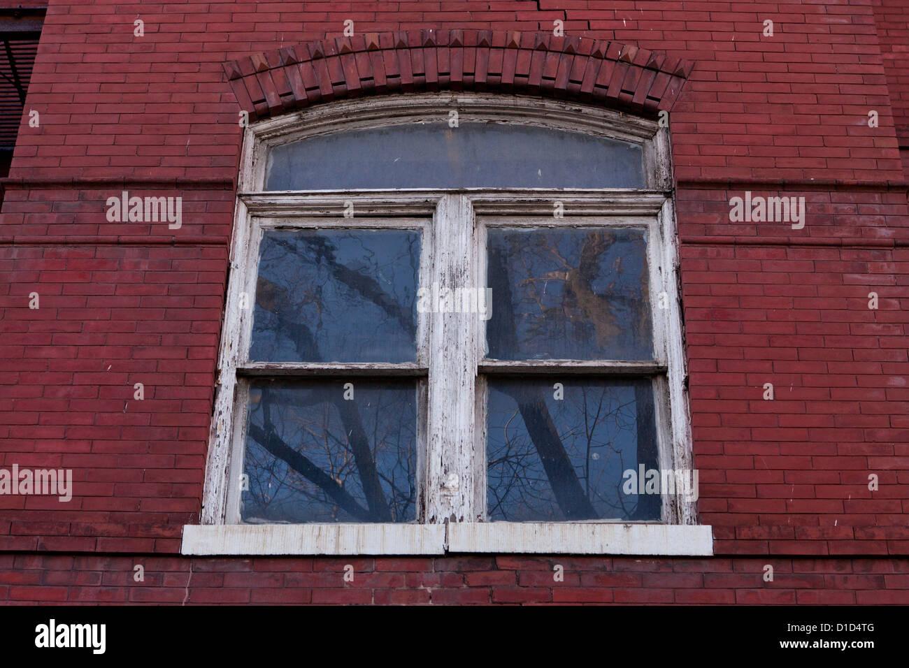 Ventanas de marco de madera vieja Foto & Imagen De Stock: 52534960 ...