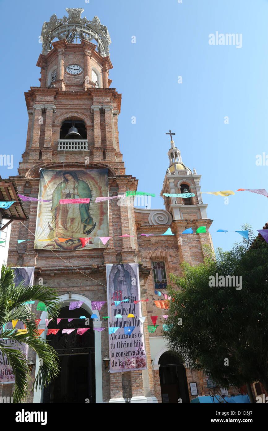 La Catedral de Nuestra Señora de Guadalupe, en Puerto Vallarta, México. Foto de stock