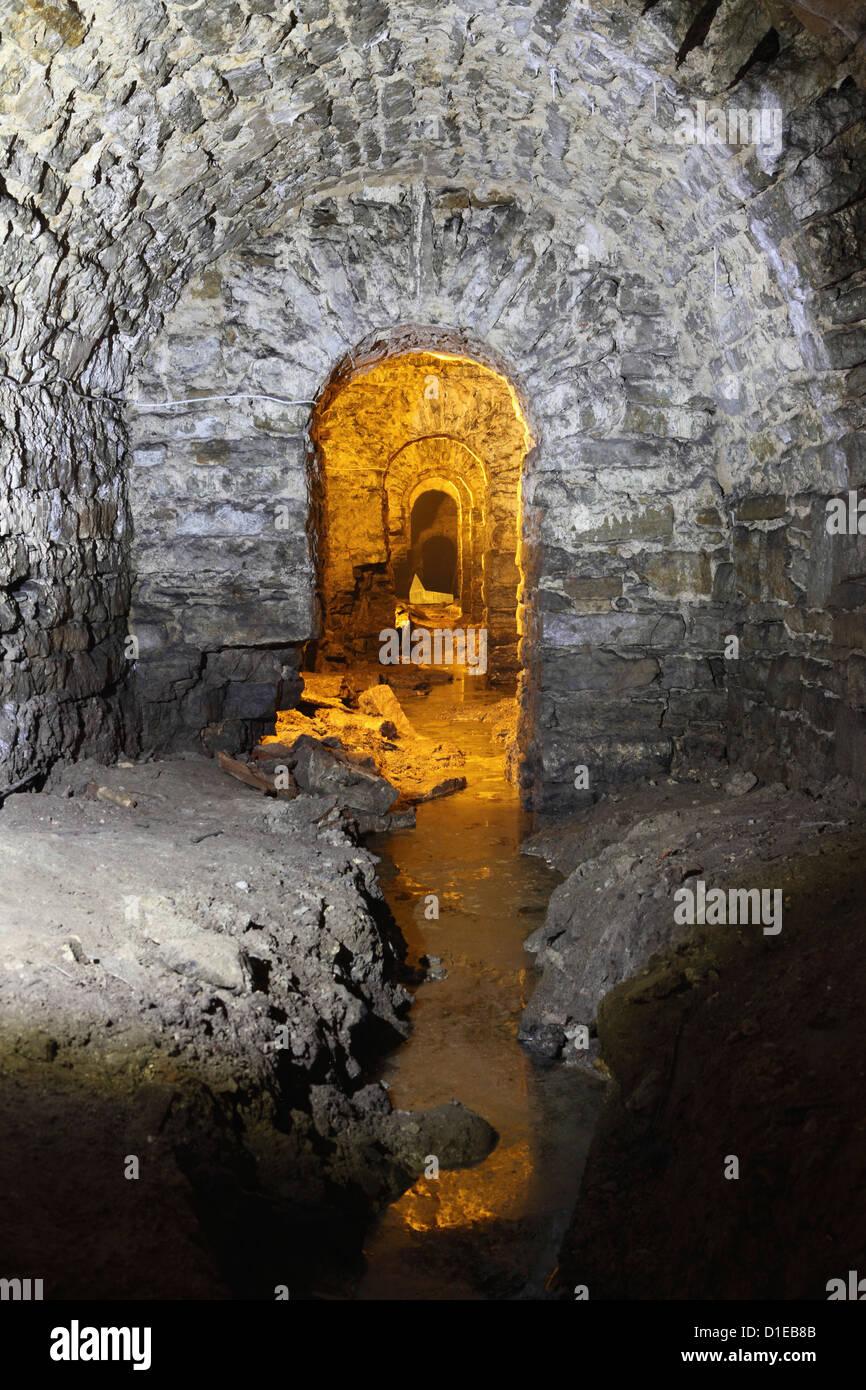 Inundaciones en el Bastión pasajes subterráneos, una vez parte de las defensas de Tallinn, Estonia, Europa Imagen De Stock