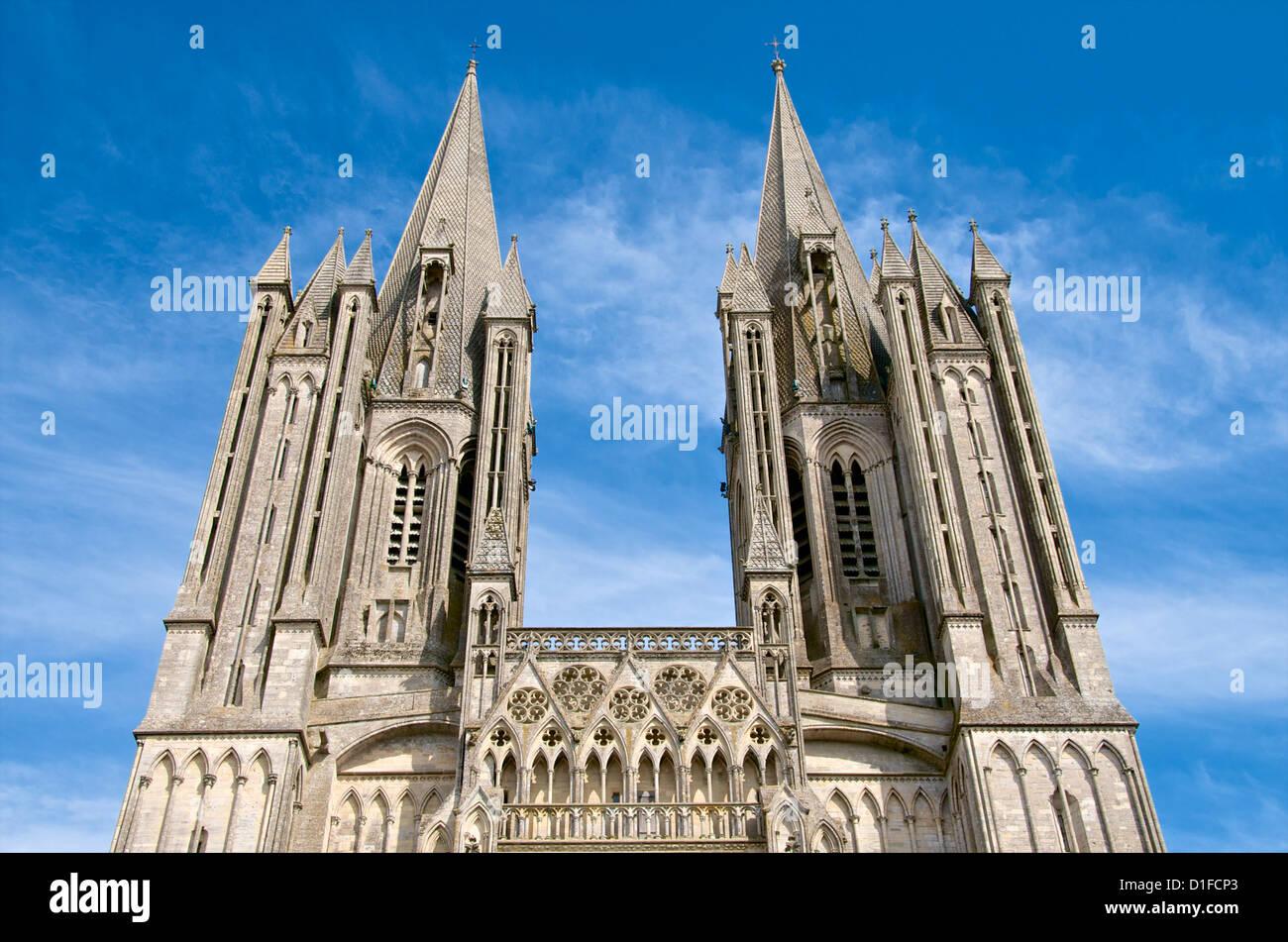 Detalle de la catedral de Notre Dame que datan del siglo XIV, Coutances, Cotentin, Normandía, Francia, Europa Foto de stock