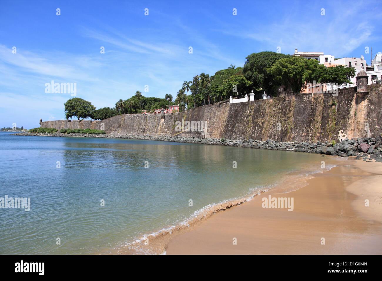 Muralla de la ciudad vieja, el Viejo San Juan, San Juan, Puerto Rico, Antillas, Caribe, Estados Unidos de América, Imagen De Stock
