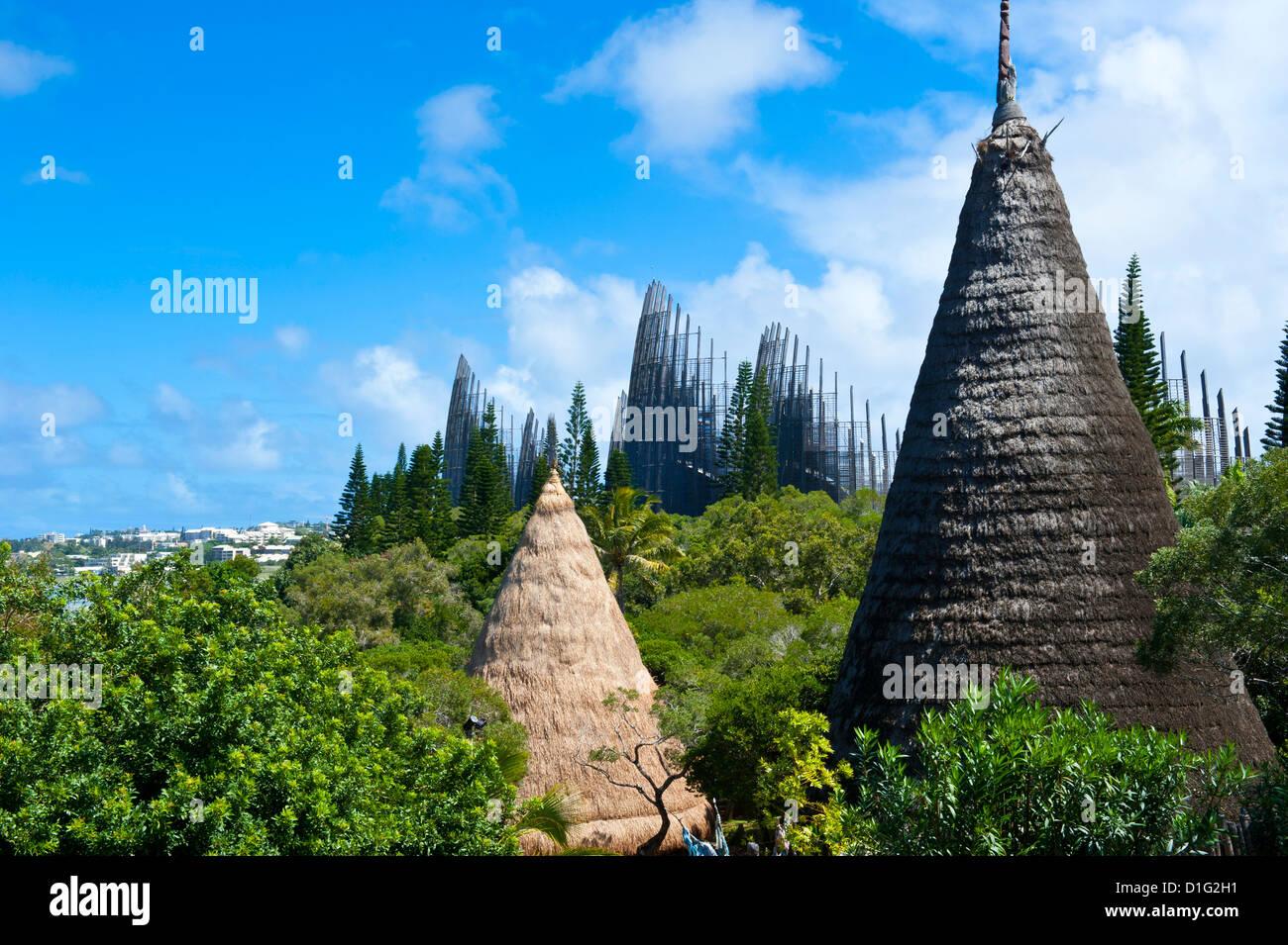 Centro Cultural Tjibaou en Noumea, Nueva Caledonia, Melanesia, Pacífico Sur, Pacífico Imagen De Stock