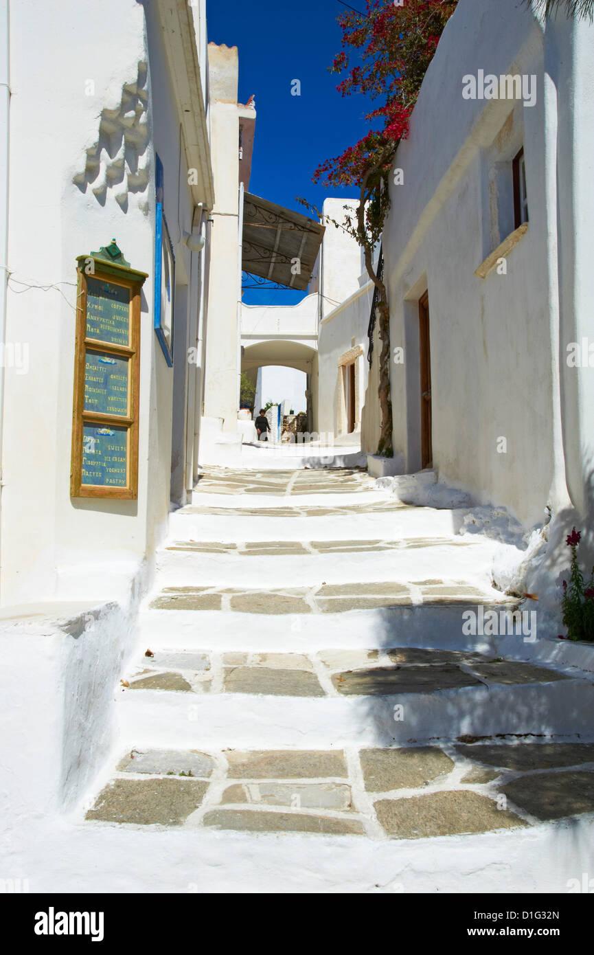 Tradicional pueblo de Lefkes, Paros, las Islas Cícladas, del mar Egeo, las Islas Griegas, Grecia, Europa Imagen De Stock