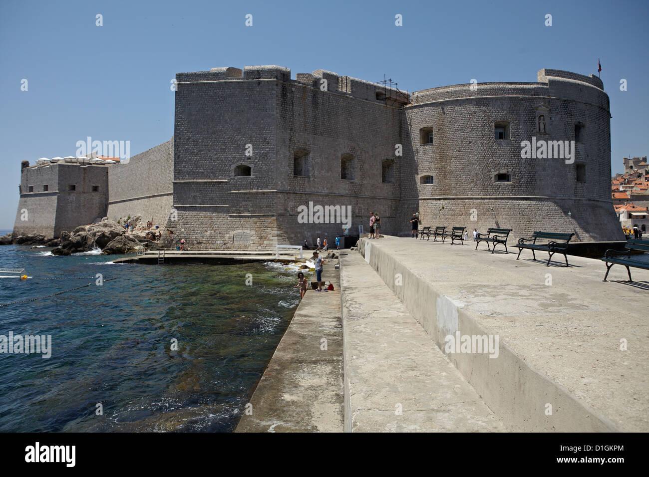 La ciudad amurallada de Dubrovnik, Patrimonio de la Humanidad de la UNESCO, Croacia, Europa Foto de stock
