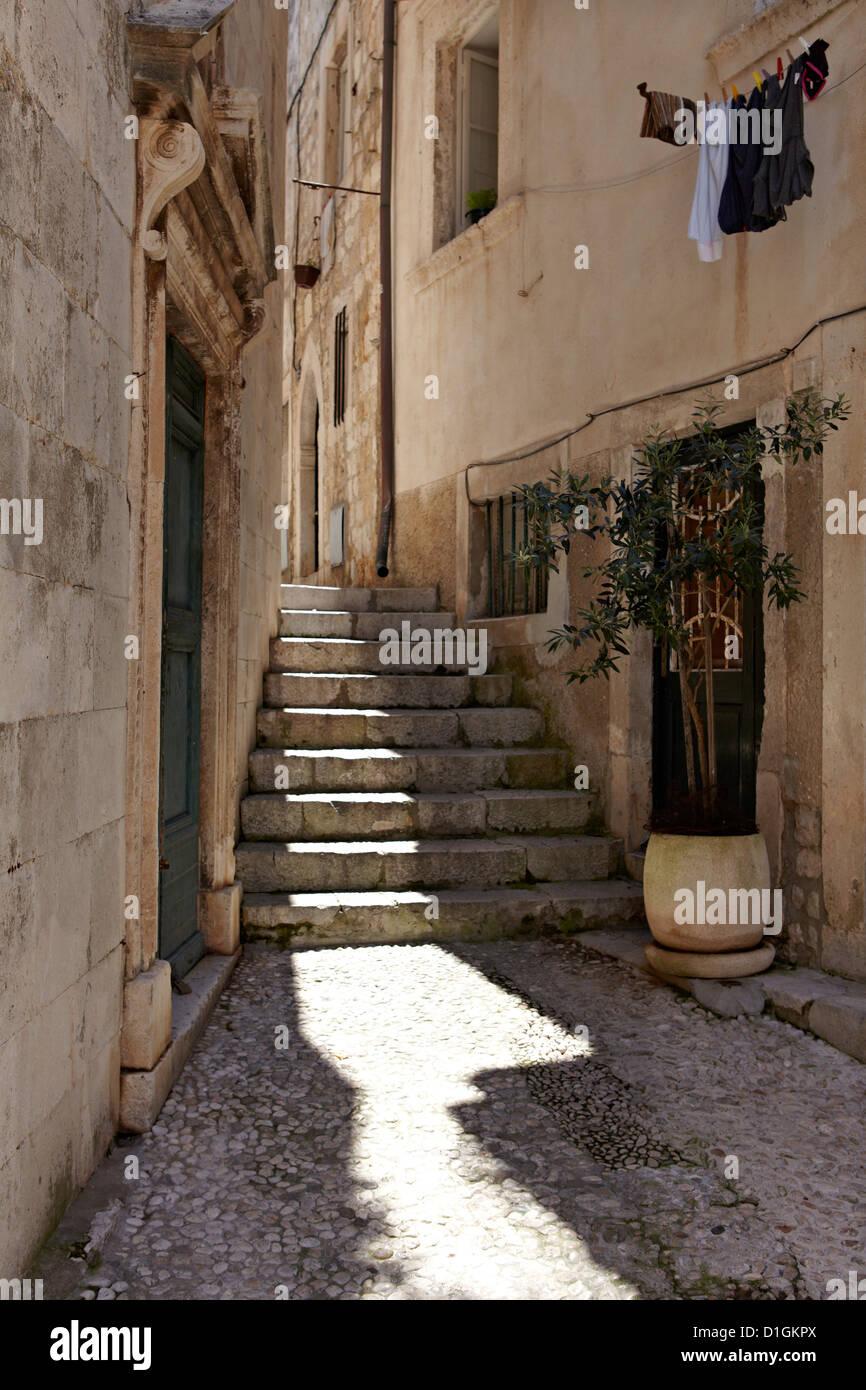 Dentro de la ciudad amurallada de Dubrovnik, Croacia, Europa Foto de stock