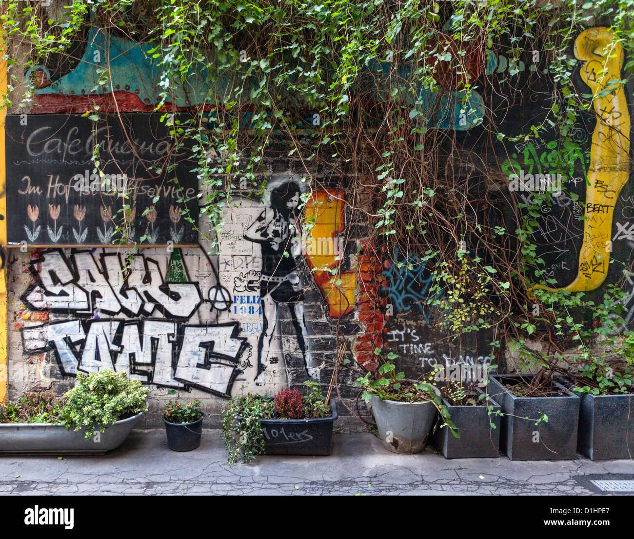 Cafe Wall Art Fotos E Imagenes De Stock Alamy