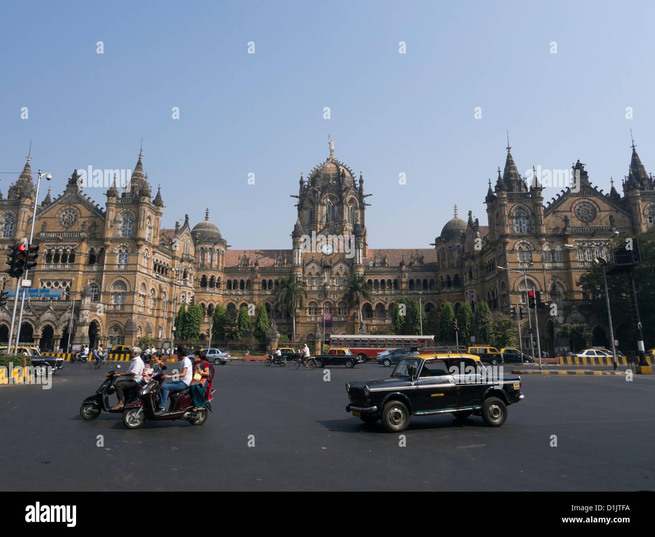 El Chhatrapati Shivaji o Victoria Station Mumbai, India Imagen De Stock