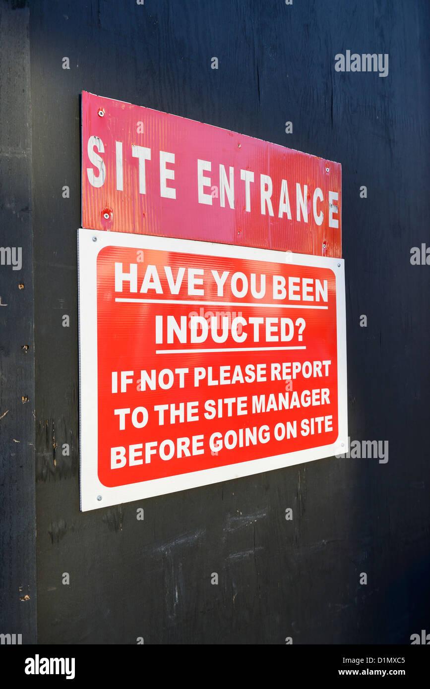 La construcción de las señales de seguridad del sitio Imagen De Stock