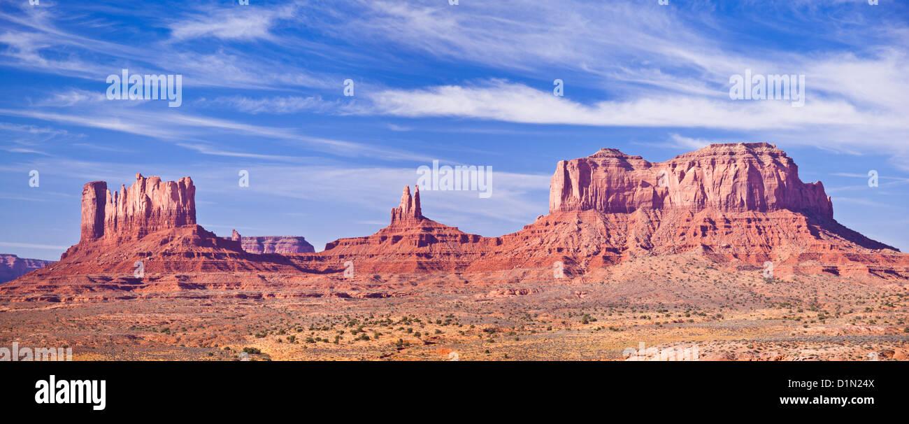 El paisaje de Monument Valley Navajo Tribal Park, Arizona, EE.UU., ESTADOS UNIDOS DE AMÉRICA Imagen De Stock