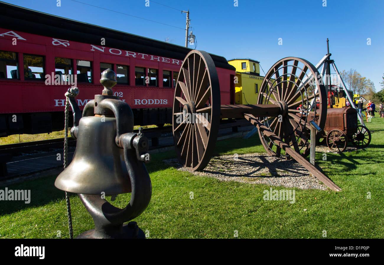 Artefactos en el Campamento 5 campamento maderero en Laona, Wisconsin. Imagen De Stock