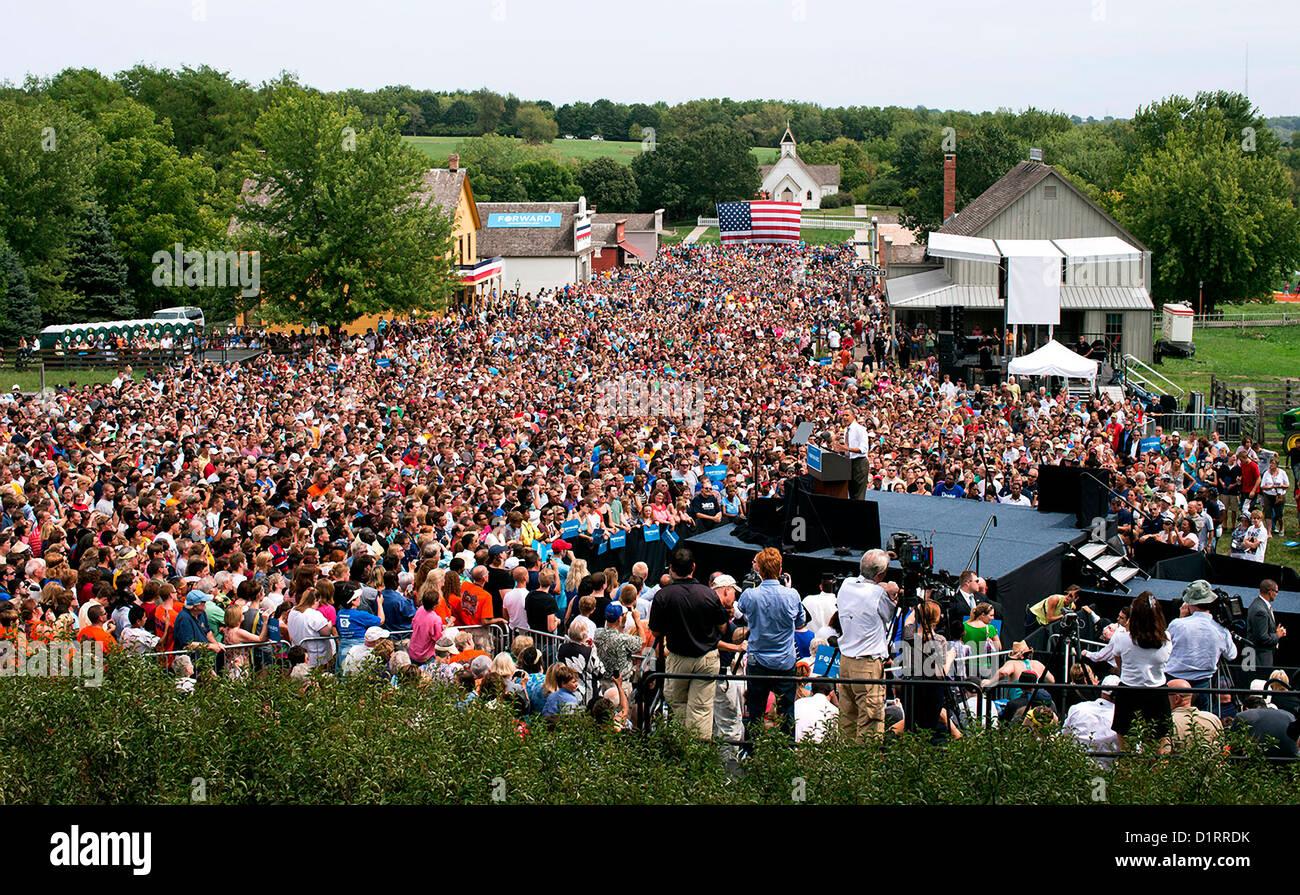 El presidente estadounidense, Barack Obama, habla durante un mitin de campaña, Septiembre 1, 2012 en Urbandale, Imagen De Stock