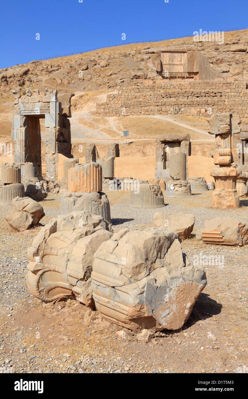 Ruinas de la sala de las 100 columnas, Persépolis, Irán Foto de stock