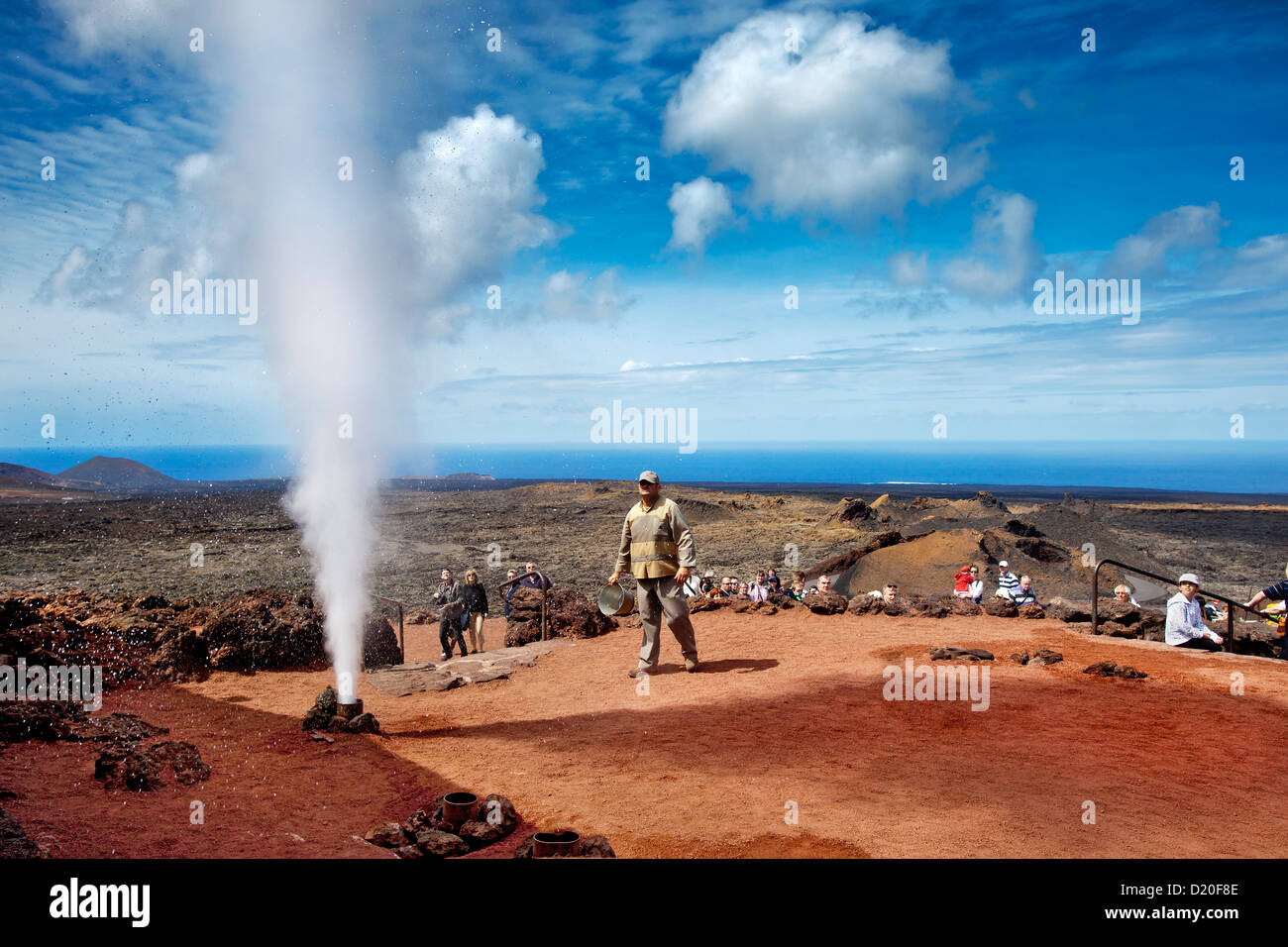 Explosión de agua, Parque Nacional de Timanfaya, Lanzarote, Islas Canarias, España, Europa Imagen De Stock