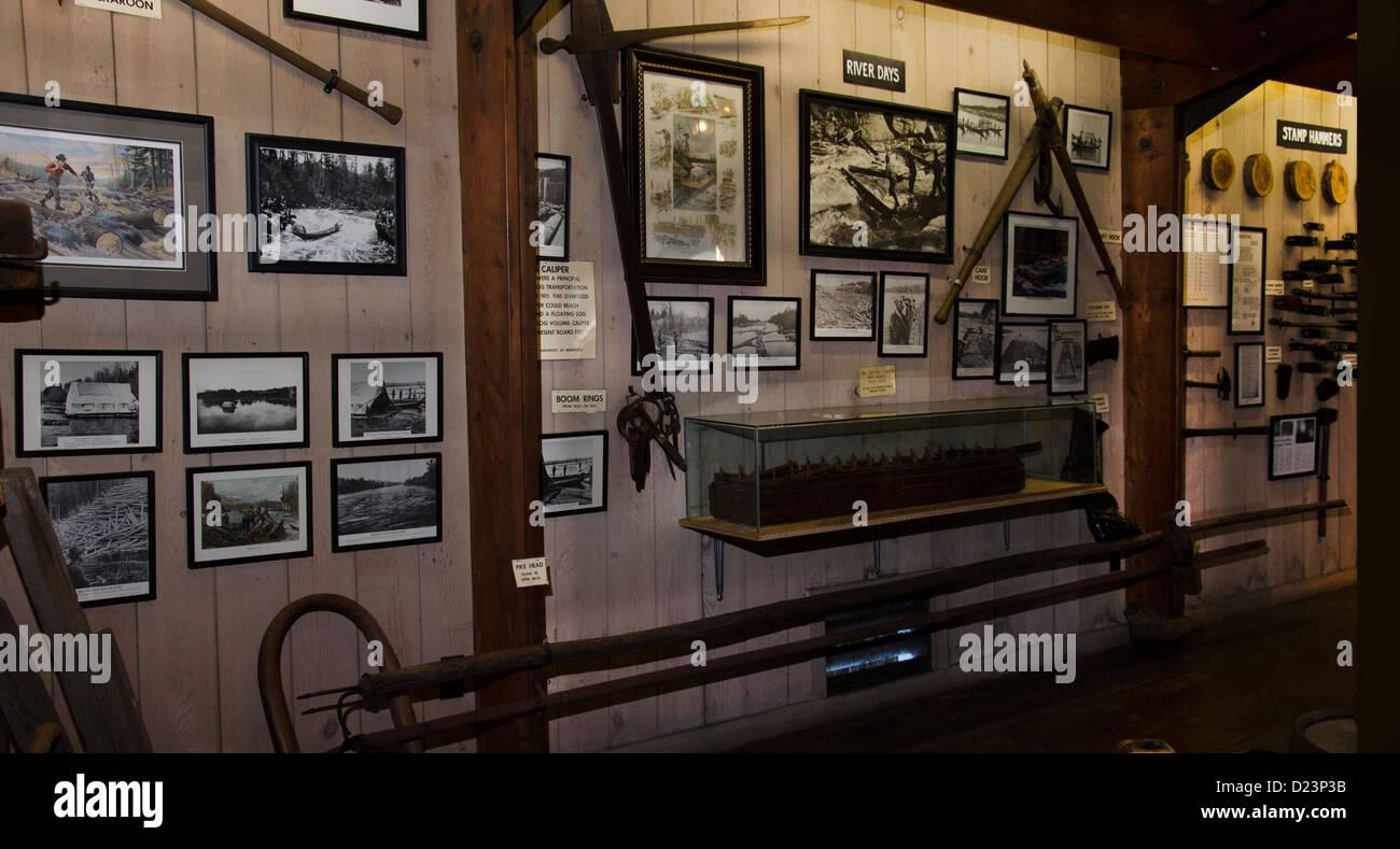 Exposición en el Campamento 5 campamento maderero museo en Laona, Wisconsin. Imagen De Stock