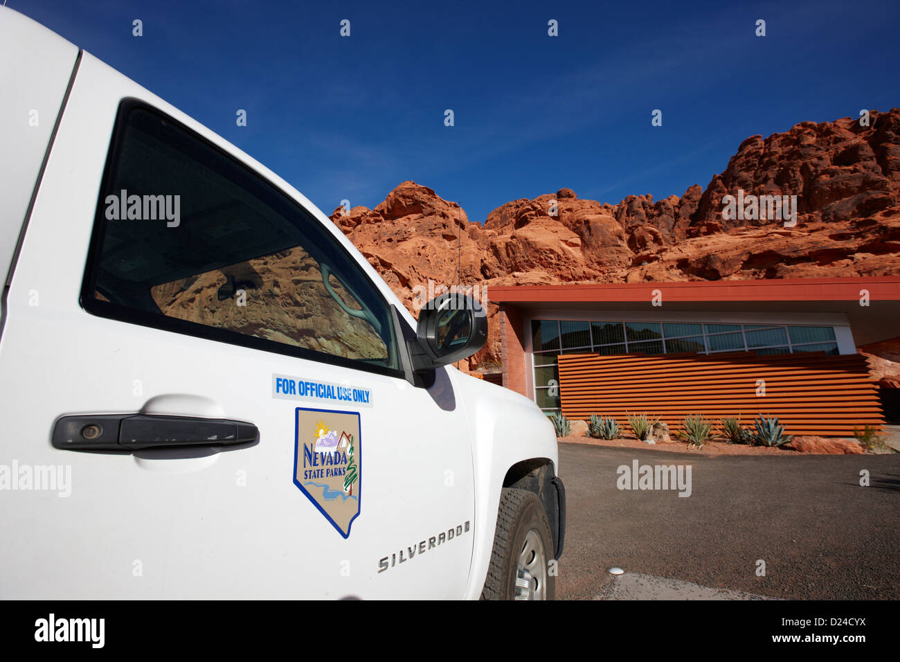 Estado vehículos de guardaparques en el parque estatal Valle del Fuego nevada ee.uu Imagen De Stock