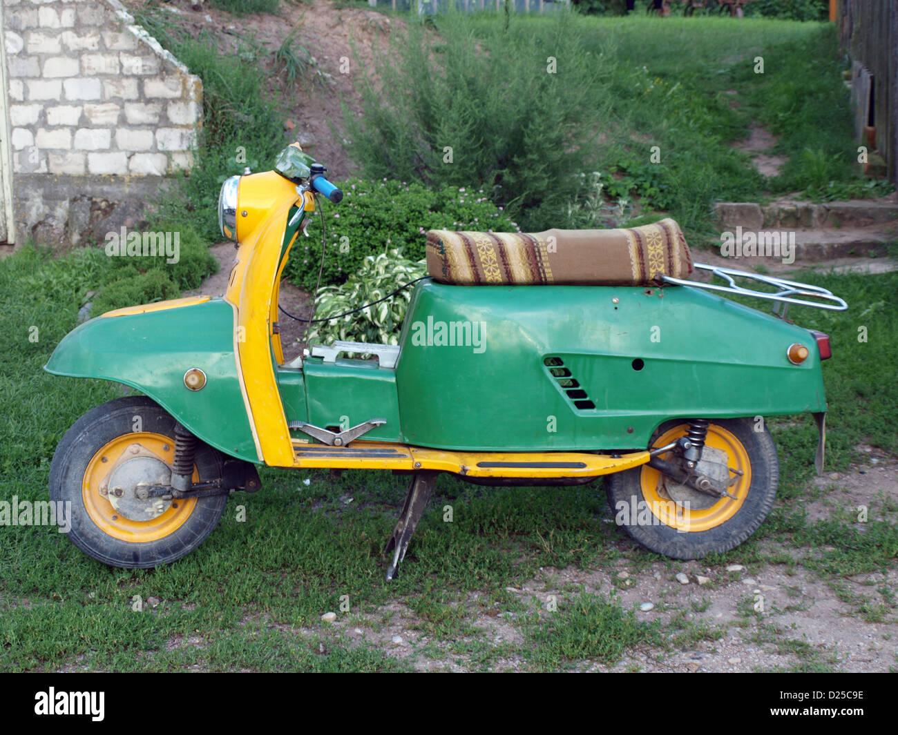 Vintage Retro tiempos soviéticos scooter ruso Tula Turist Imagen De Stock