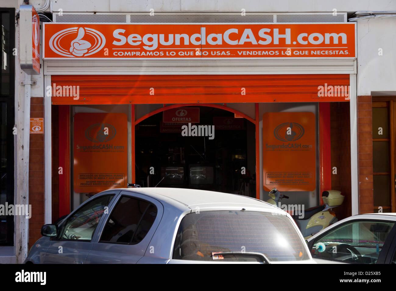 3d0752ff9b6 Tienda de segunda mano la compra y venta de mercancías en Los Cristianos,  Tenerife, Islas Canarias, España.