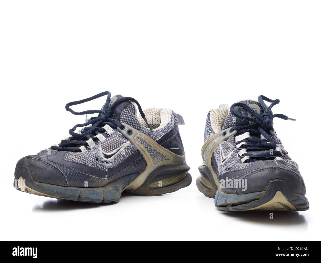 Aislado Sobre Un De Azul Par Fondo Blanco Zapatillas Nike Viejas GVpSqUzM