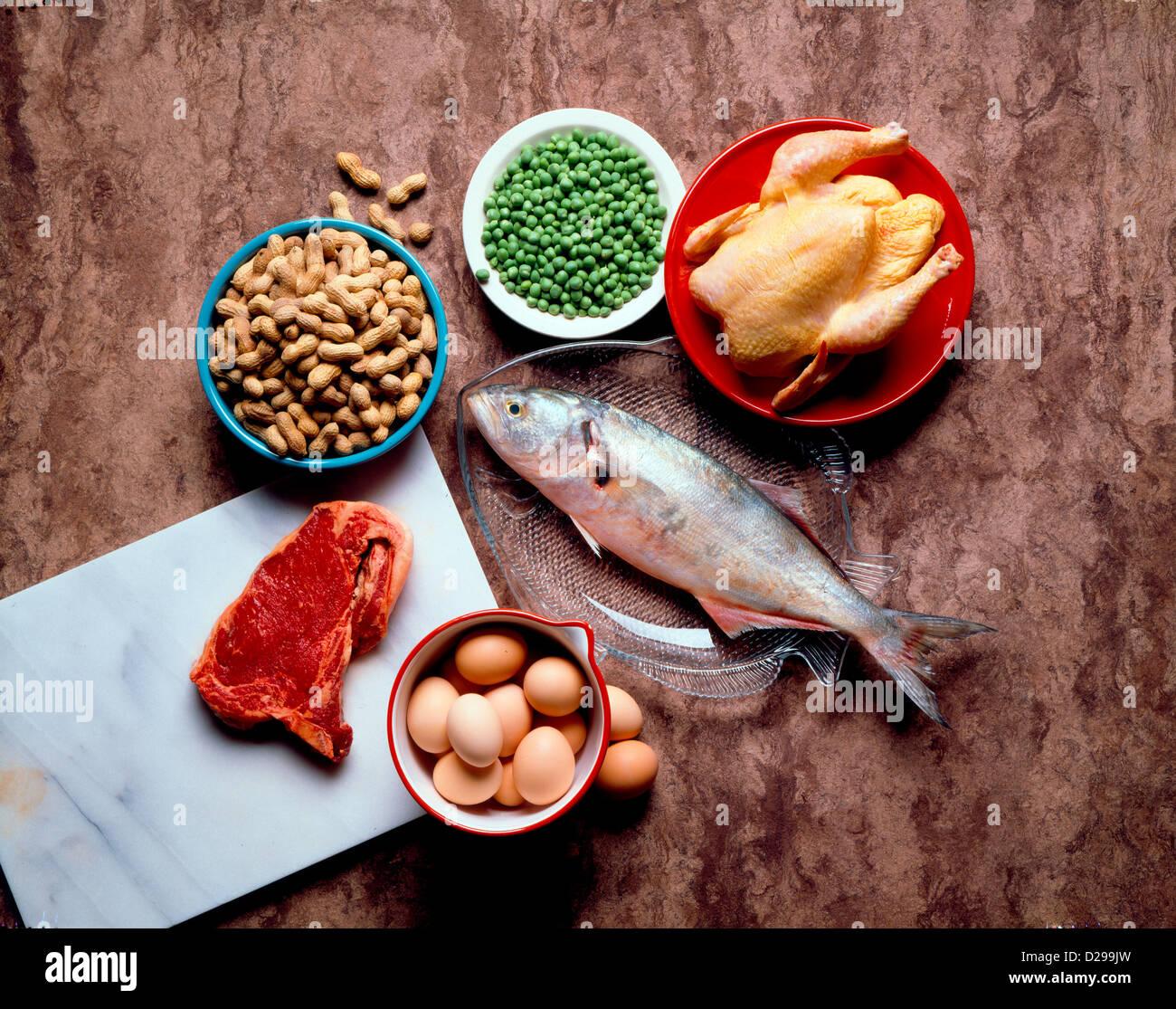 Todavía la vida de los alimentos proteicos. Imagen De Stock