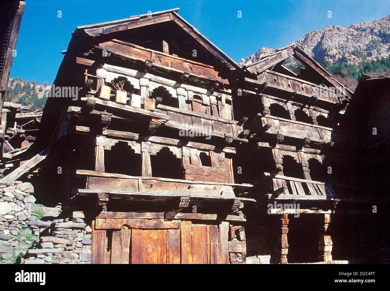 Antiguo templo hindú de madera Ganga Maiya previamente en invierno Diosa del ídolo se trasladó a Imagen De Stock