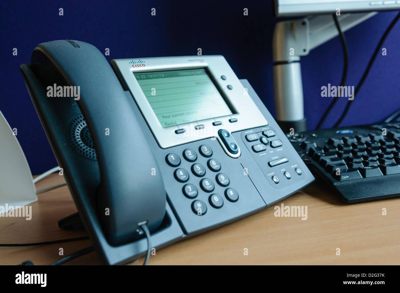 Cisco ip phone im genes de stock cisco ip phone fotos de stock alamy - Telefono de oficina de ryanair ...