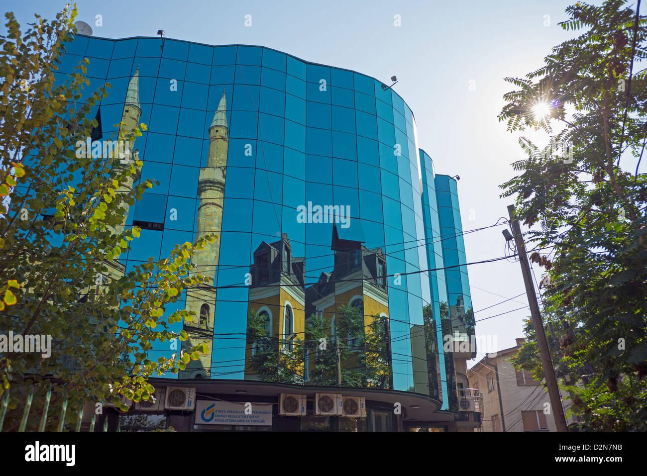 Kosovo Pristina Building Fotos e Imágenes de stock - Alamy