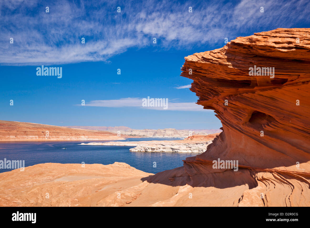 Formaciones de roca roja, el Lago Powell, Page, Arizona, Estados Unidos de América, América del Norte Imagen De Stock