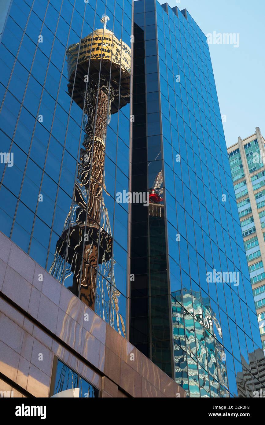 Reflejo de la Torre de Sydney, Sydney, New South Wales, Australia, el Pacífico Imagen De Stock