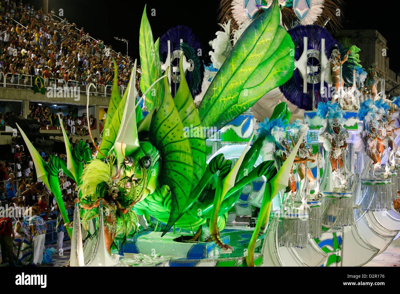 Desfile de Carnaval en el Sambódromo de Rio de Janeiro, Brasil, América del Sur Imagen De Stock