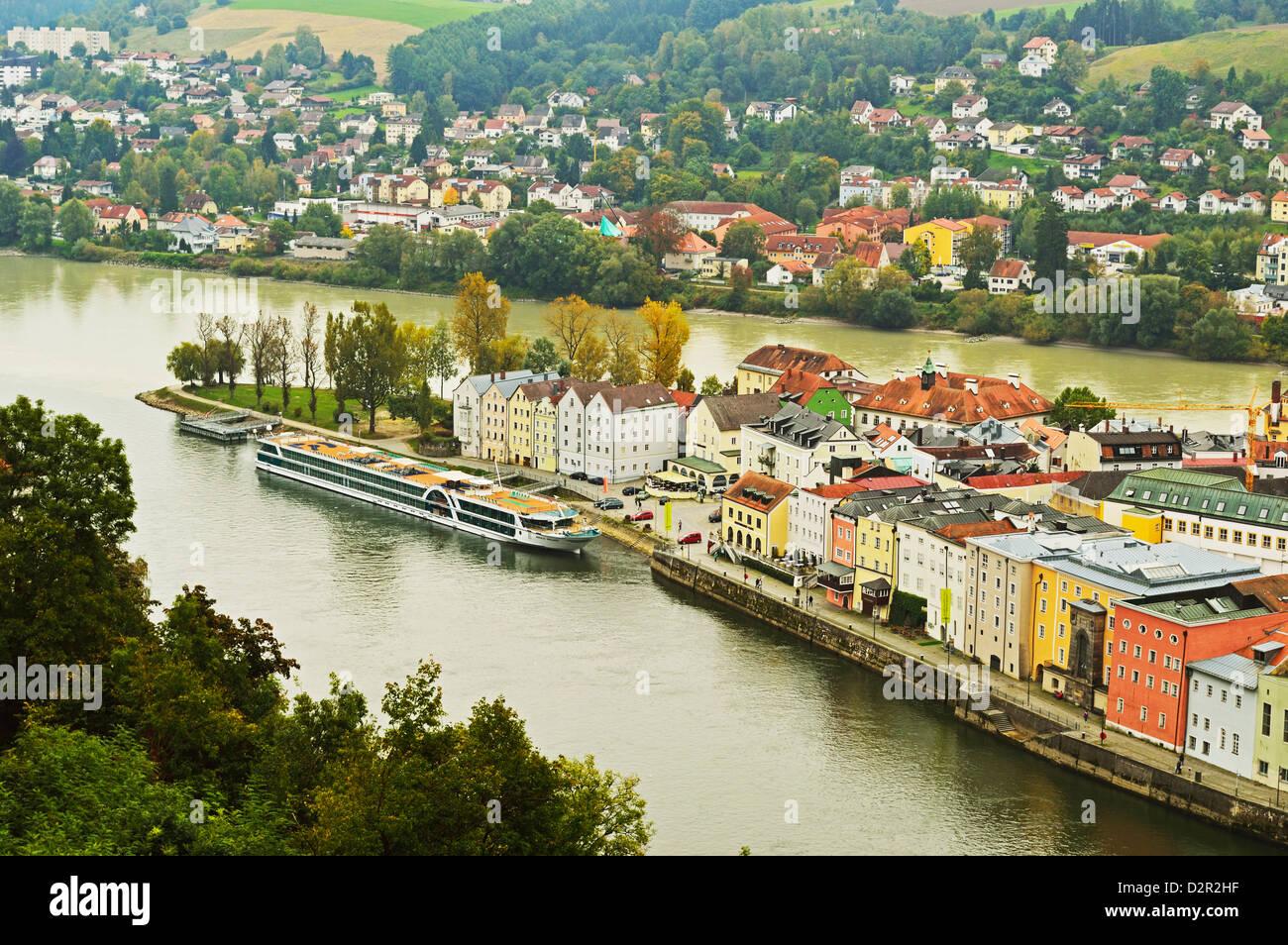 Vista de Passau con ríos Danubio y Inn, Baviera, Alemania, Europa Imagen De Stock