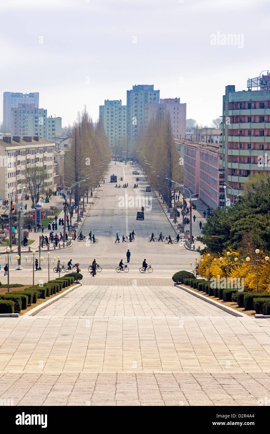 Las calles de la ciudad, Hamhung, República Popular Democrática de Corea (RPDC), Corea del Norte, Asia Imagen De Stock