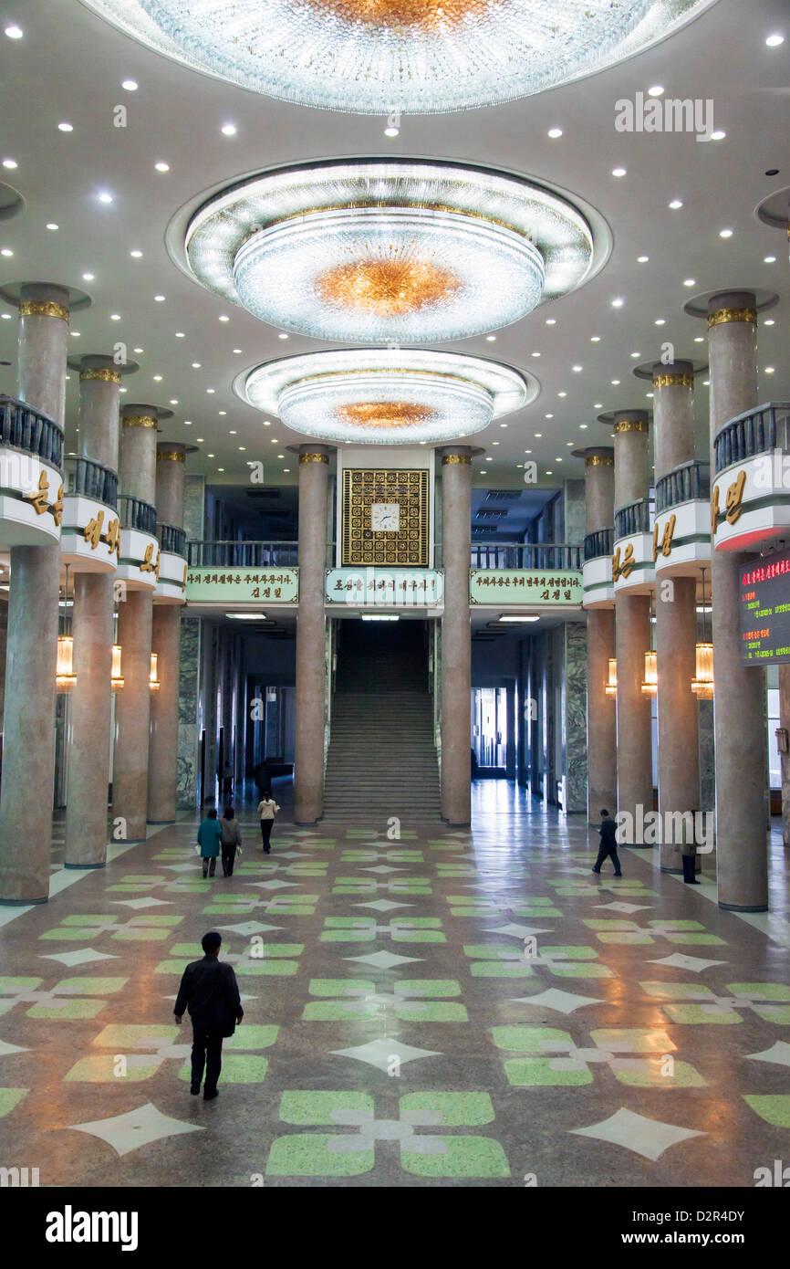 Gran Casa de Estudios Populares, Pyongyang, República Popular Democrática de Corea (RPDC), Corea del Norte, Imagen De Stock
