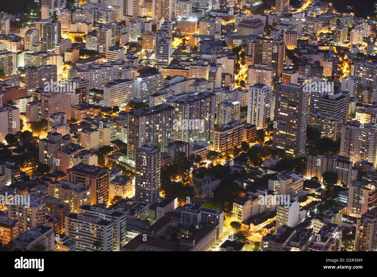 Edificios de Botafogo en la noche, Río de Janeiro, Brasil, América del Sur Imagen De Stock