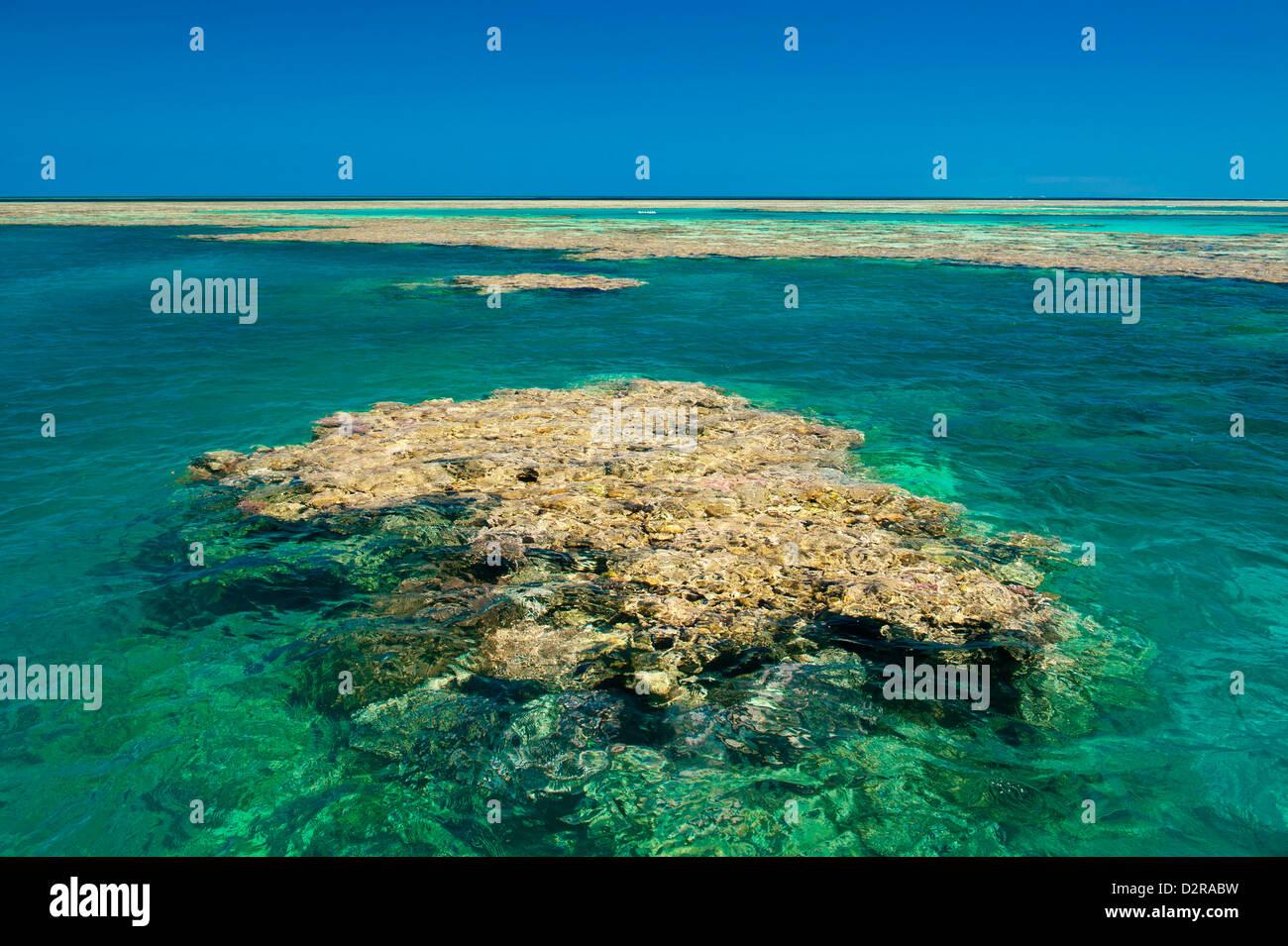 Antena de la Gran Barrera de Coral. Sitio de Patrimonio Mundial de la UNESCO, Queensland, Australia, el Pacífico Foto de stock
