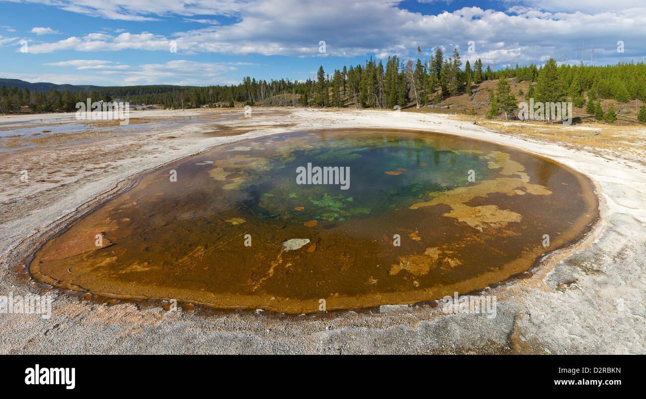 Foto panoramica de la belleza, la Cuenca del Géiser Superior, Piscina, Parque Nacional Yellowstone, Wyoming, Imagen De Stock