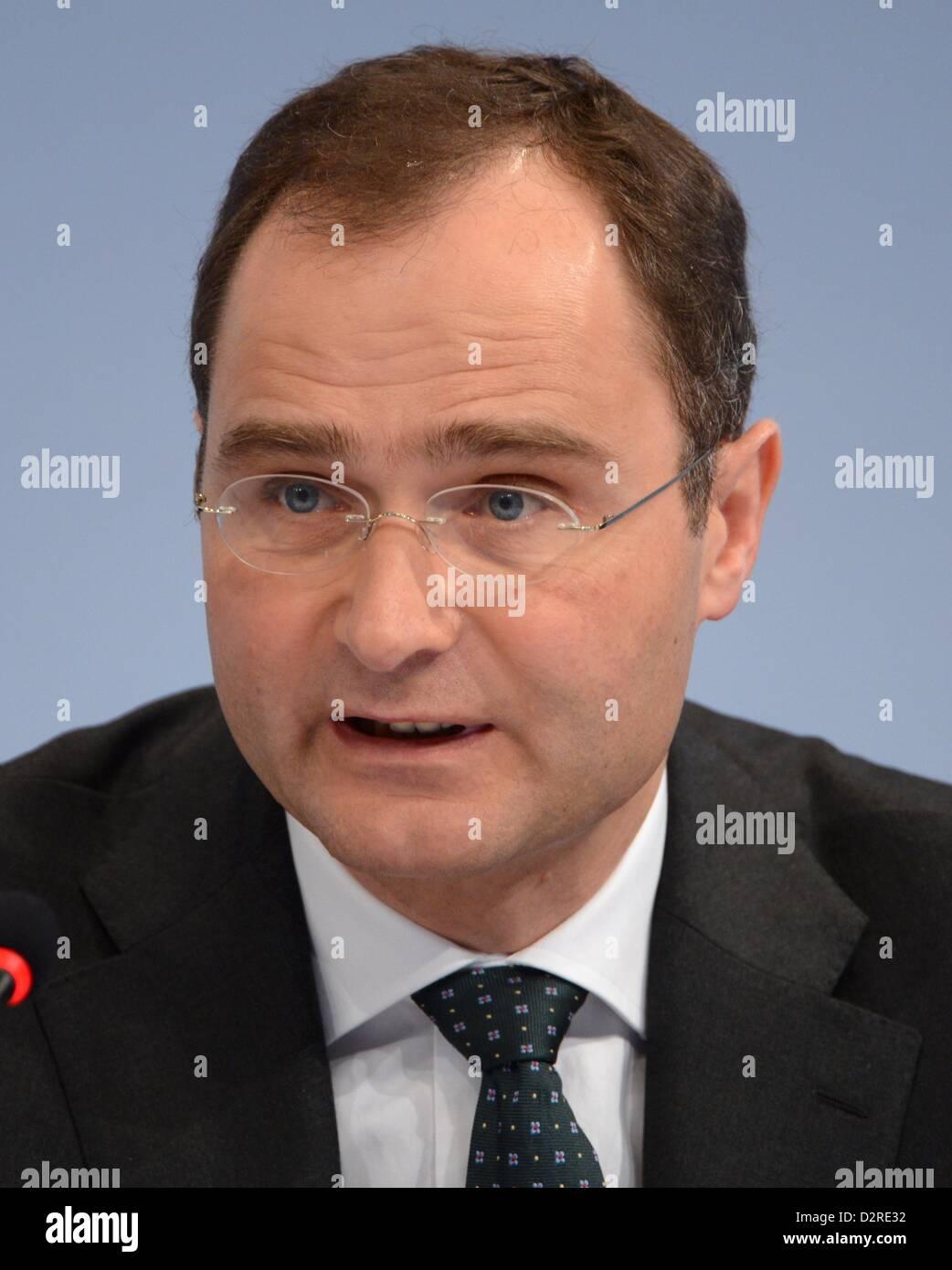 Director general de recursos humanos y legal a Deutsche Bank, Stephan Leithner, toma parte en los estados financieros Foto de stock