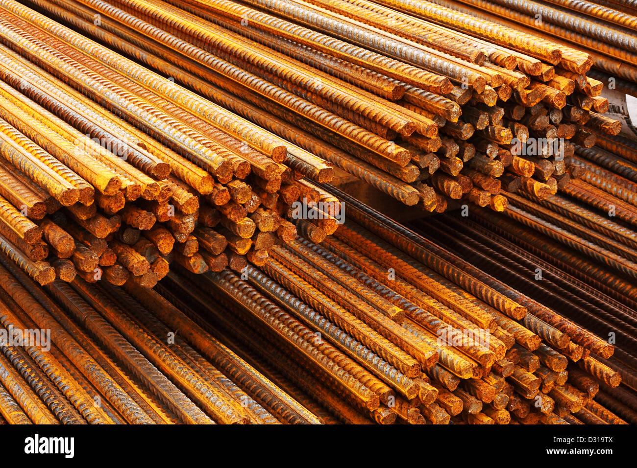 Las barras de acero de refuerzo para la industria de la construcción para hacer hormigón armado Imagen De Stock