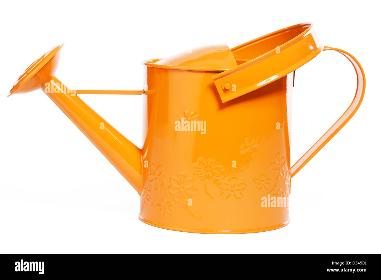 Regadera naranja sobre fondo blanco. Foto de stock
