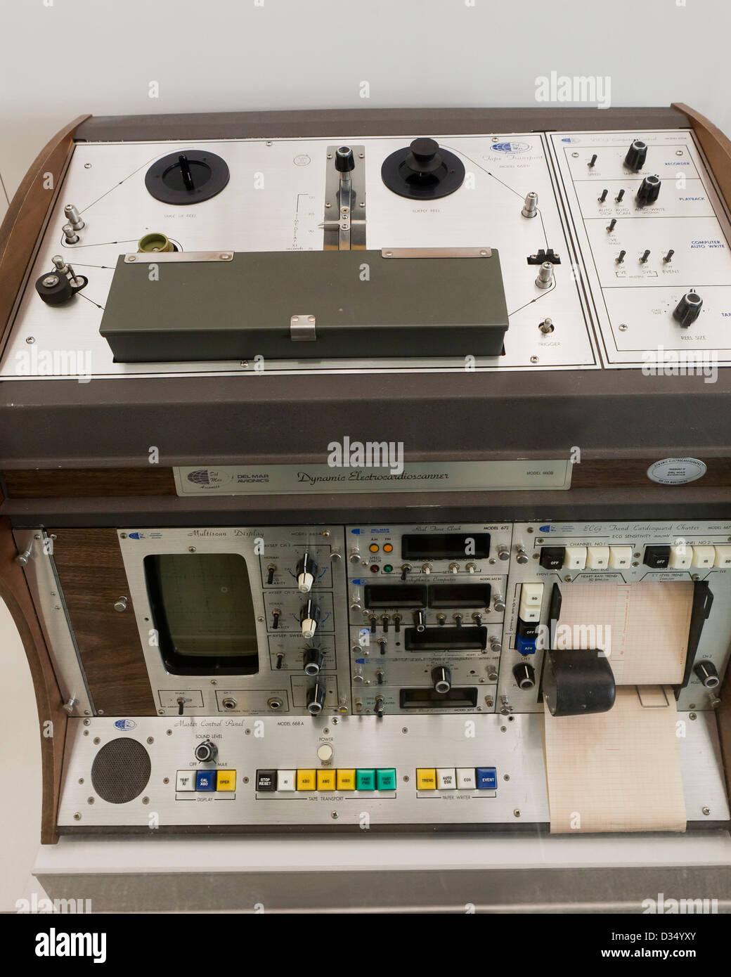 Vintage monitor cardíaco, circa 1970 Foto de stock