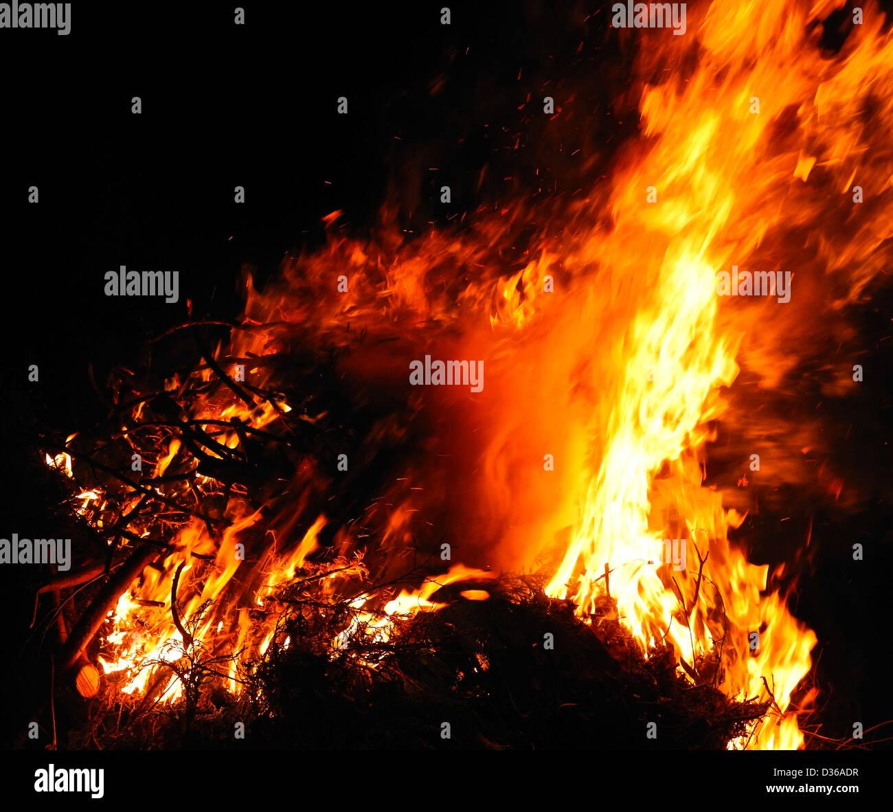 Llamas ardiendo conflagración inferno Foto de stock