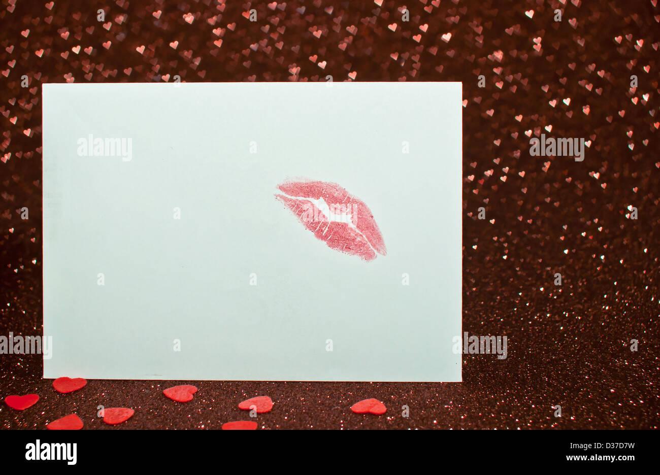 Invitación, Forma, rojo, horizontal, expresando positividad, derechos de los labios, la boca humana, regalo, Imagen De Stock