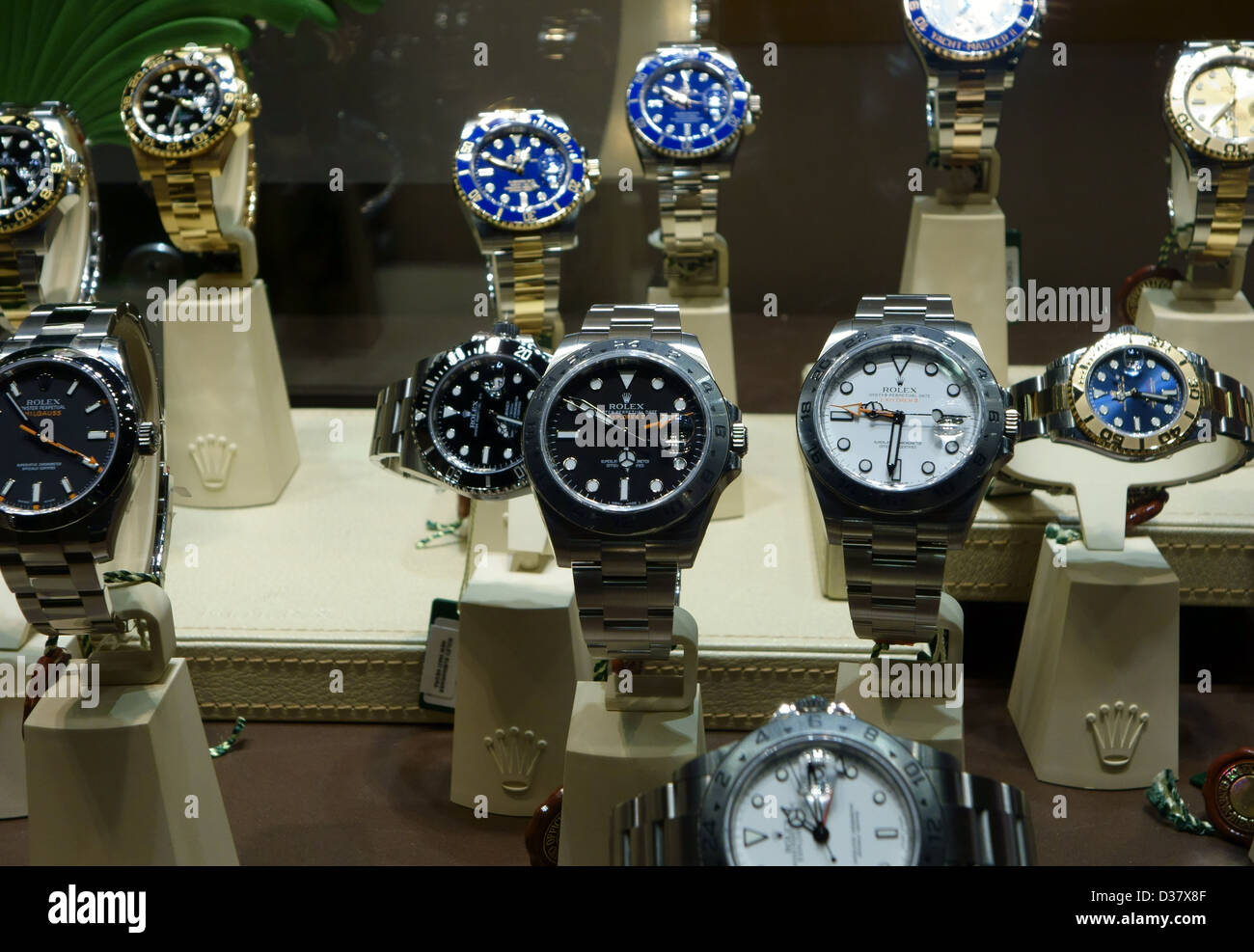 Tienda De Relojes Rolex Ventana Pantalla En La Santa b6gyIfYv7