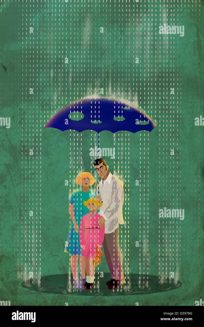 Familia de pie debajo de un paraguas con agujeros en un día lluvioso representando seguros engañosos Imagen De Stock
