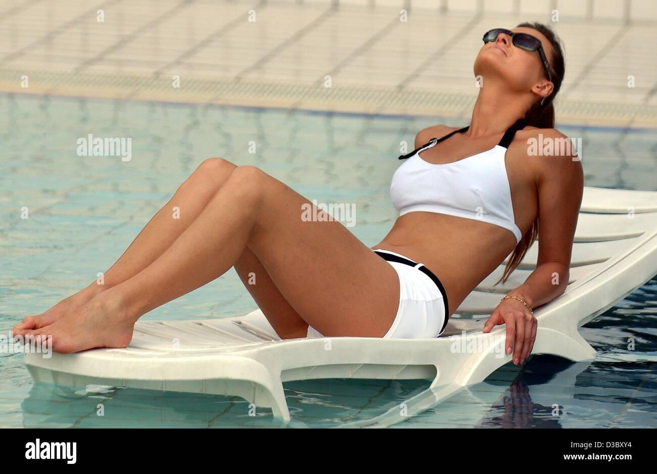 77ebc9b20491 Bathing Beach Fashion Woman In Imágenes De Stock & Bathing Beach ...