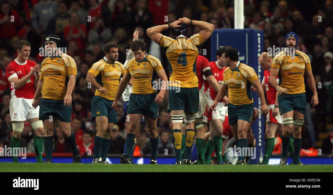 29.11.08. Invesco Perpetual series 2008. Gales v Australia. El Millennium Stadium, Cardiff. Australia mira golpeado. Imagen De Stock